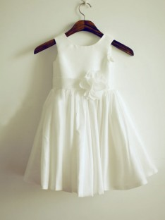 A-line/Princess Jewel Floor-length Taffeta Flower Girl Dresses with Hand-made Flower